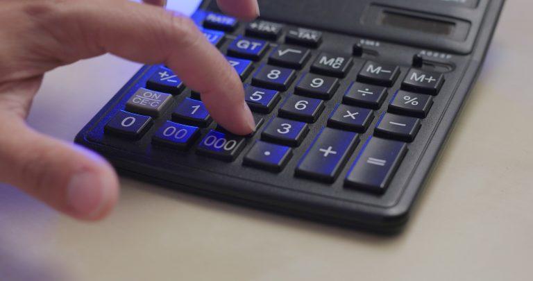 Entenda como calcular as verbas rescisórias e garanta seus direitos trabalhistas após rescisão de contrato